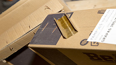 Staples for cardboard